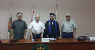 مرعي خلال نقاش رسالته في جامعة الجنان