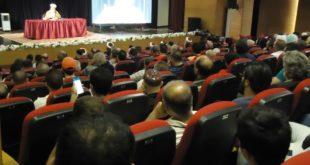 الشيخ جلول متحدثاً خلال الندوة