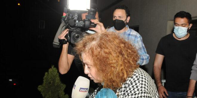 القاضية غادة عون خلال مداهمتها شركة مكتف في عوكر
